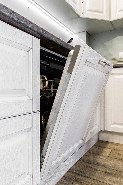 is cast iron dishwasher safe