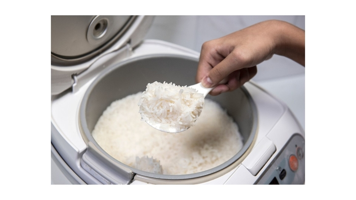 keeping food warm in a rice cooker