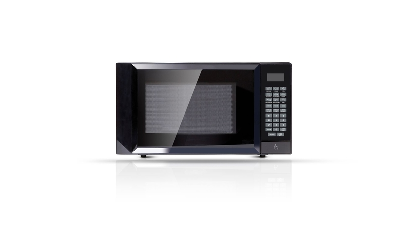 comparing a microwave with a air fryer